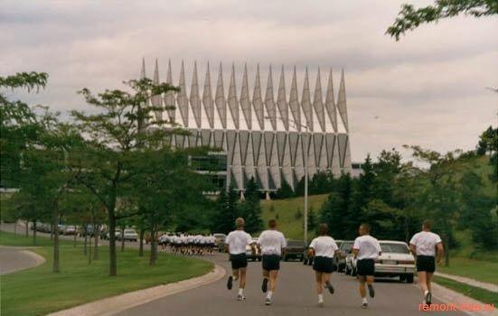 Часовня Кадетов Американских Воздушных Сил