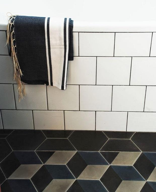 контрастная плитка для дизайна ванной
