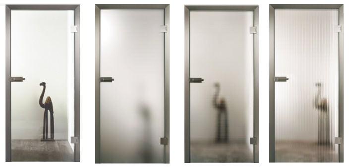 Стеклянные распашные межкомнатные двери